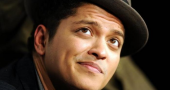 Bruno Mars talks Locked Out of Heaven and Saturday Night Live
