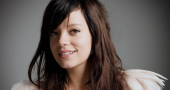Lily Allen gives birth to baby daughter