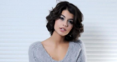 Sofia Black-D'Elia seeks English accent tips from Jack O'Connell