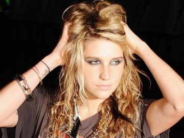 Ke$ha bus gets puked on