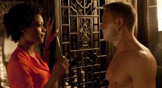 550x298 Naomie Harris discusses James Bond shaving scene 2278 Shave like James Bond (007) – Top tips for the perfect cut throat shave