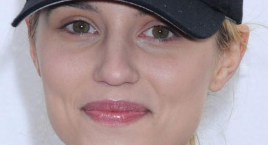 Dianna Agron looking just as beautiful without makeup
