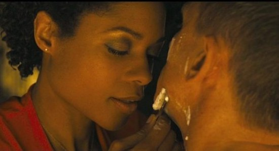 550x298 naomie harris discusses james bond shaving scene 6481 Shave like James Bond (007) – Top tips for the perfect cut throat shave