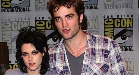 Robert Pattinson and Kristen Stewart at Comic-Con