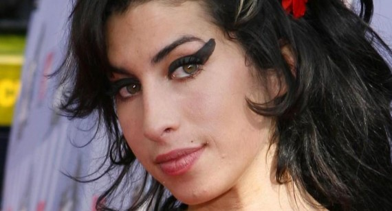 Amy Winehouse died due to alcohol abuse