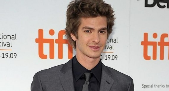 Andrew Garfield discusses The Amazing Spider-Man costume