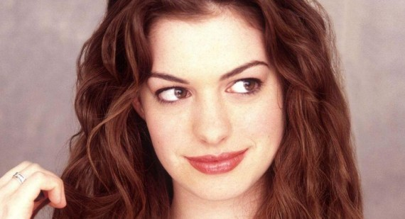 Anne Hathaway To Star In Solo Catwoman Movie?