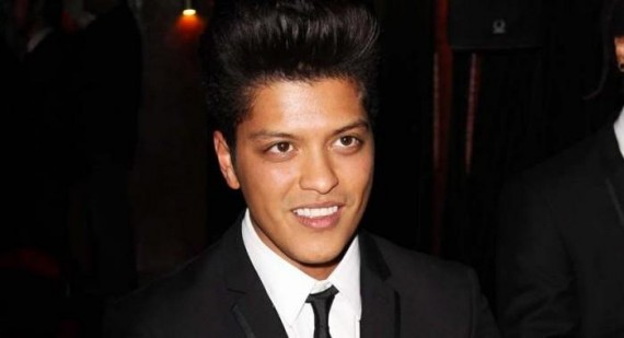 Bruno Mars and Amelle Berrabah dating?