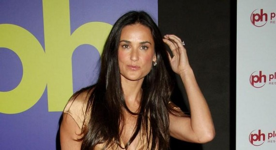 Demi Moore: Mila Kunis & Ashton Kutcher Have Been 'Hooking Up For Years'