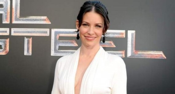 Evangeline Lilly's The Hobbit character is unauthentic