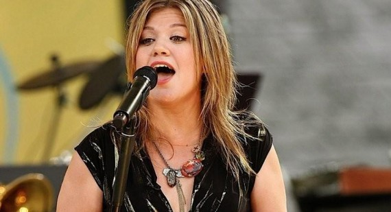 Why was Kelly Clarkson on the Country Music Awards?