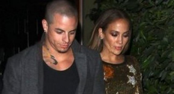 Jennifer Lopez Forced To Deny More Rumors About Casper Smart's Sexuality