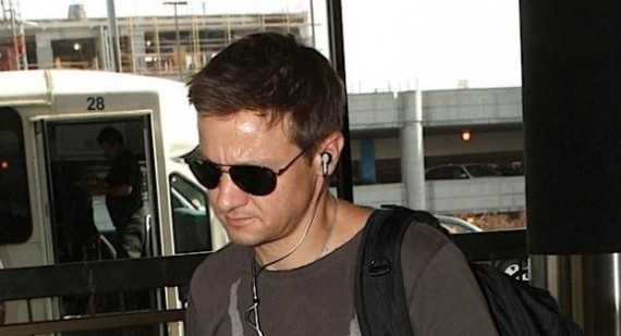 Jeremy Renner talks about hosting Saturday Night Live