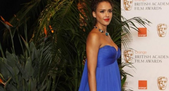 Who is Jessica Alba dating?