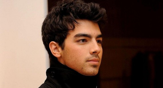 Joe Jonas praises the UK music scene