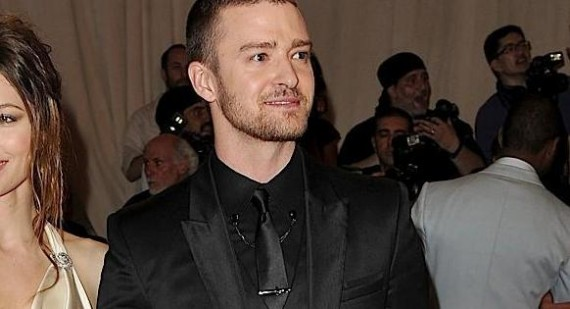What was Justin Timberlake saying during the 2011 Oscars?