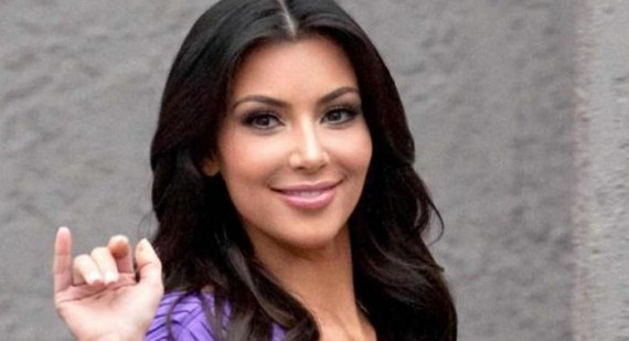 What is Kim Kardashian's hair color 2011?
