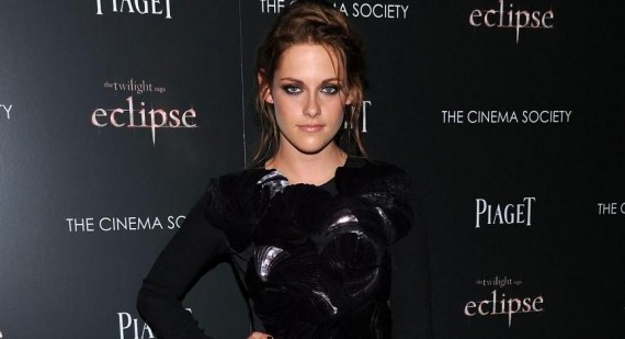 Kristen Stewart discusses Snow White stunts