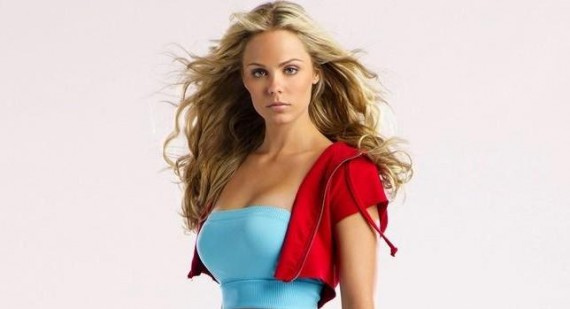 Laura Vandervoort teams up with Val Kilmer for Spider-Man game