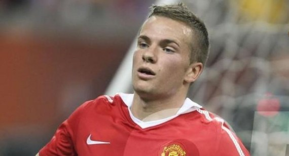 Manchester United's Tom Cleverley to return against Liverpool