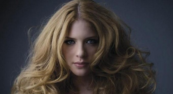 Why was Rachelle Lefevre replaced in twilight?
