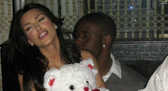Reggie Bush will not commit to Kim Kardashian