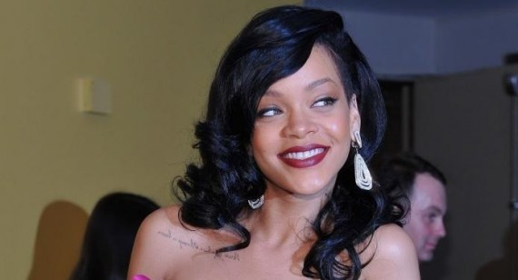 Rihanna gets new tattoo in London: her biggest yet!