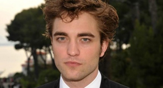 Who is Robert Pattinson going out with?