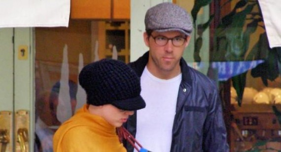 Ryan Reynolds and Scarlett Johansson NOT getting back together