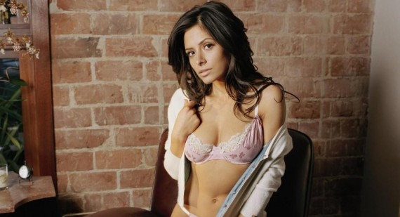Sarah Shahi gives advice to aspiring actors