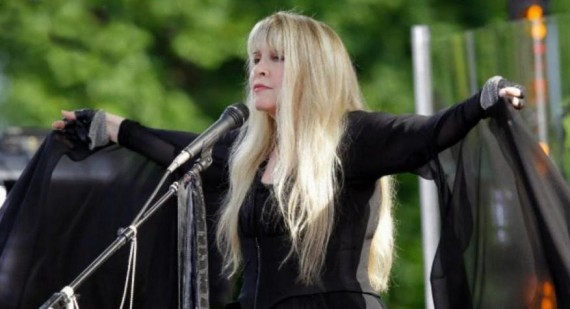 Stevie Nicks apologises for Nicki Minaj death threats following American Idol row