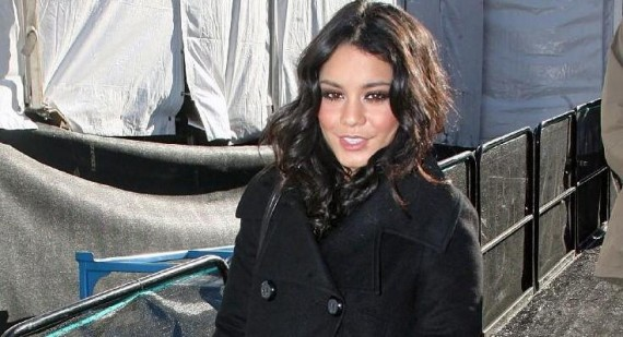 Vanessa Hudgens spends some quality time with boyfriend Austin Butler