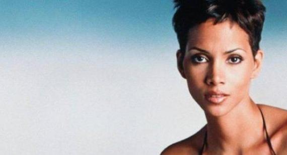 Halle Berry: Paparazzi are 'doing terrible things' to my daughter