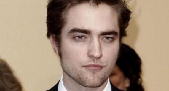 What is Robert Pattinson's email address for fans?