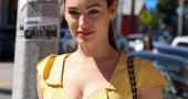 Kelly Brook Cleavage Candids In Venice Beach Beach