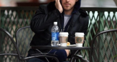 Ryan Gosling Grabbing Starbucks Coffee In La Smile