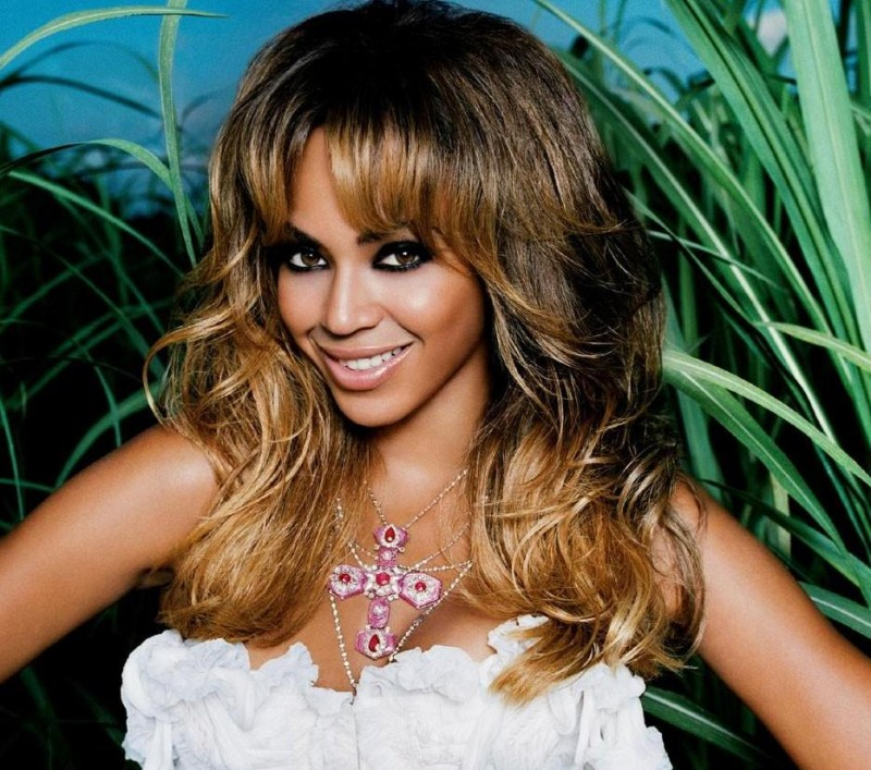 Full Beyonce Artist Photo Halo