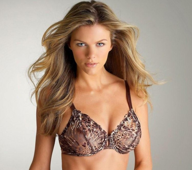 Brooklyn Decker Felina Lingerie Sports Illustrated