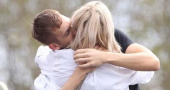 Ellie Goulding caught kissing Calvin Harris