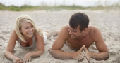 Josh Duhamel and Julianne Hough in new Safe Haven TV spot