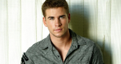 Liam Hemsworth body language reveals a lot