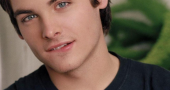 Kevin Zegers ends the year with 3 films under his belt