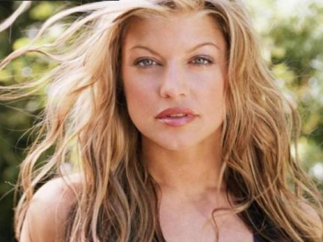 Black Eyed Peas singer Fergie announces pregnancy