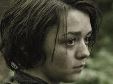 Maisie Williams shows off long hair ahead of Game of Thrones season three