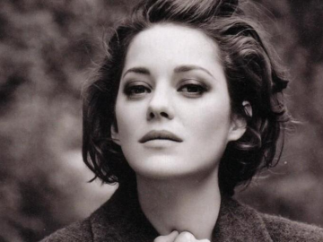 Marion Cotillard make-up free still looks stunning