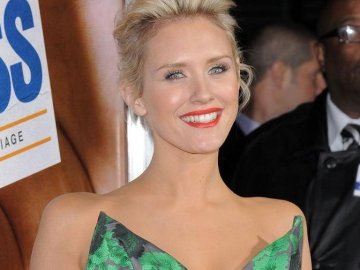 Nicky Whelan set for a big 2013