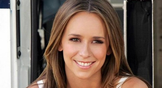 Jennifer Love Hewitt's fiance charged with battery   News   Fans Share
