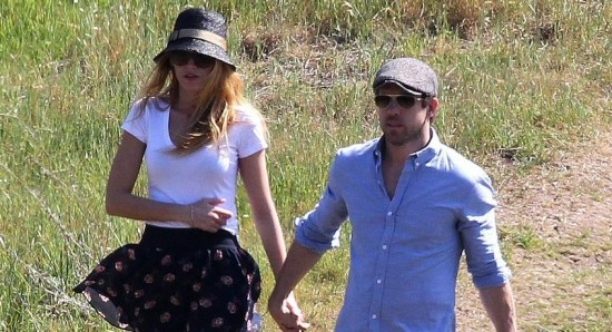 Ryan Reynolds And Blake Lively To Adopt News Fans Share