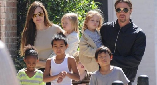 Angelina Jolie and Brad Pitt with the kids