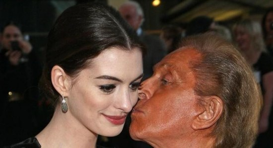 Anne Hathaway with the fashion designer Valentino